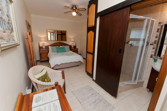 Room 4-3, Lagoon Breeze Guest House